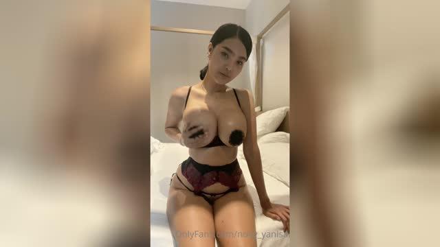 Noey Yanisa and her worldwide tits